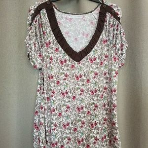Maurices sz 1 floral button sleeve graphic tee